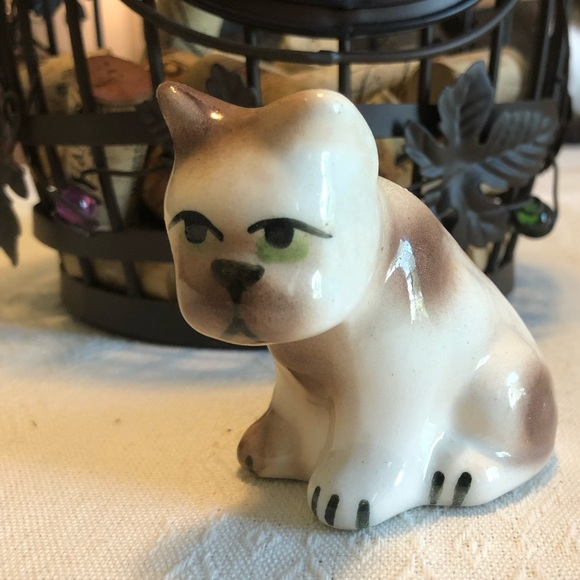 Other - Lonely Puppy Figurine 🐶